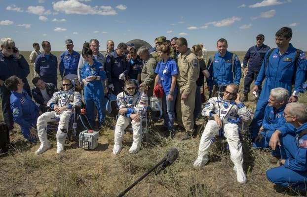 казахстан приземление космонавты