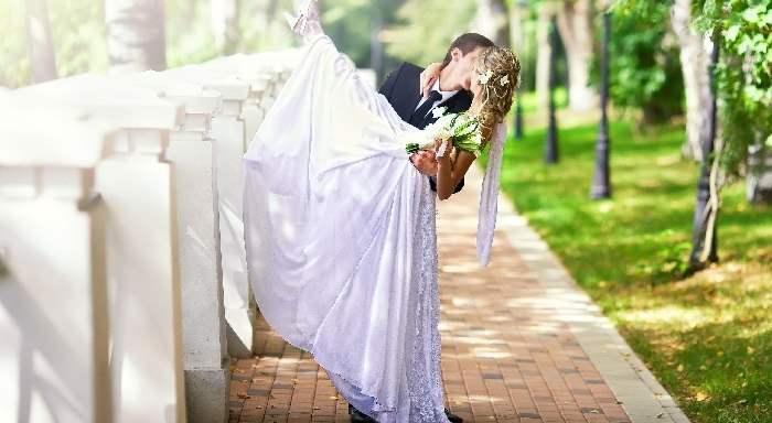 Свадебное платье — сложный выбор для невесты.