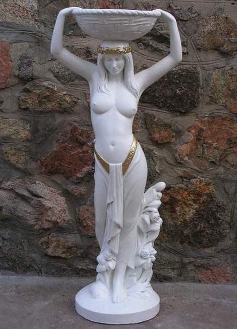 статуя из бетона