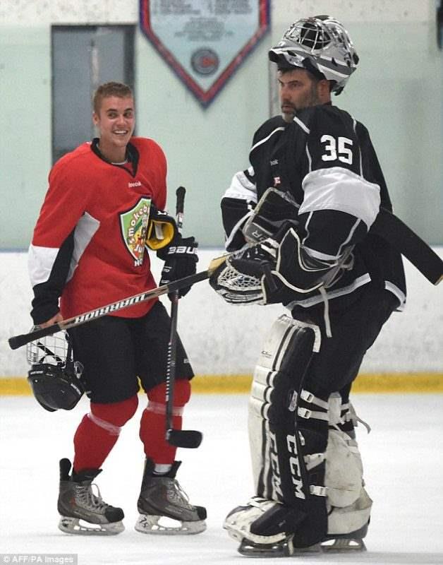 бибер хоккей (11)
