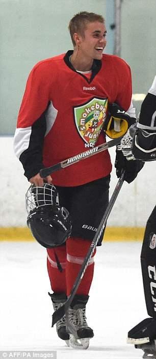 бибер хоккей (3)