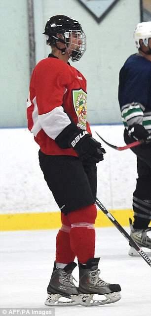 бибер хоккей (4)