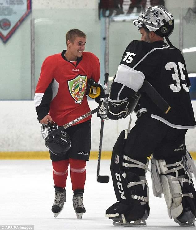 бибер хоккей (6)