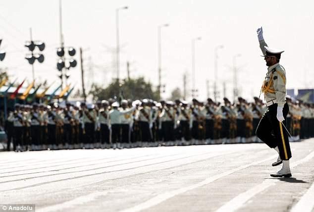 iran-parad-12