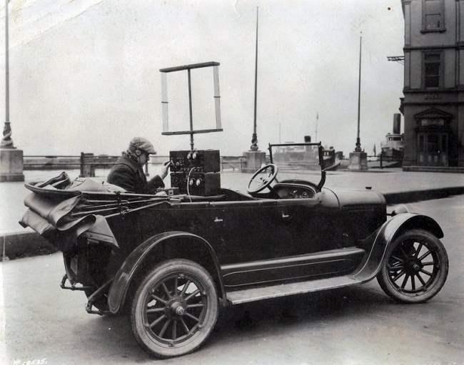 Первая версия мобильного радио телефона используется в 1924 году.