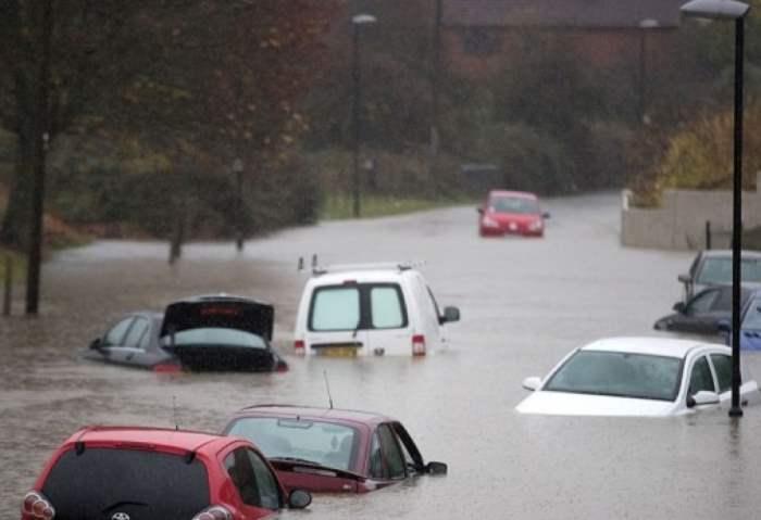 """В Великобритании погодный хаос из-за урагана """"Ангус"""""""