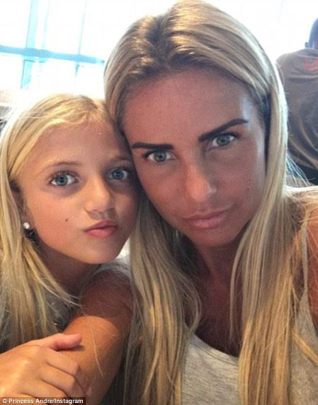 Кэти Прайс и дочь