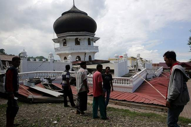 indoneziya-zemletryasenie-3