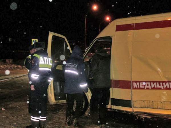 В Архангельске скорая с роженицей попала в сильную аварию (видео)