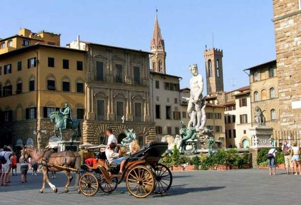 florenciya-ploshad-senorii-610x416