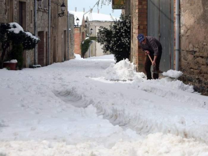 Мадрид снег