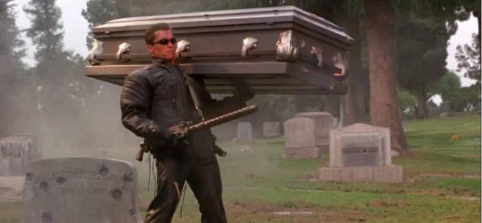 Терминатор с гробом