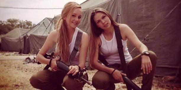 девушки солдаты