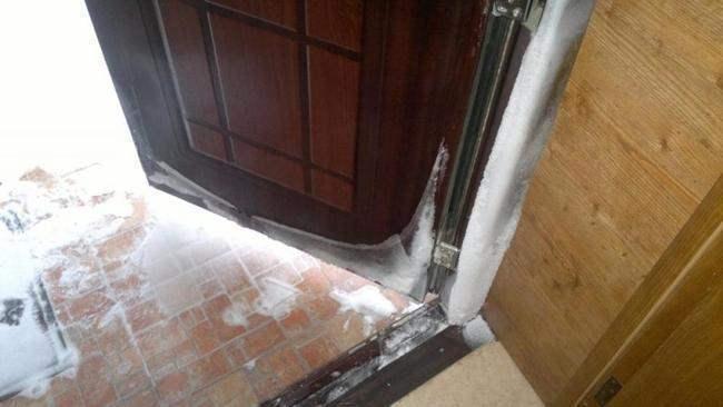 обледенение двери