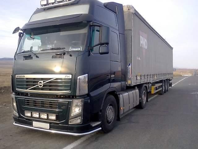 Volvo с полуприцепом