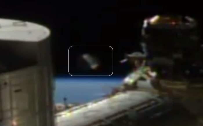Мимо МКС пролетел огромный кусок космического мусора
