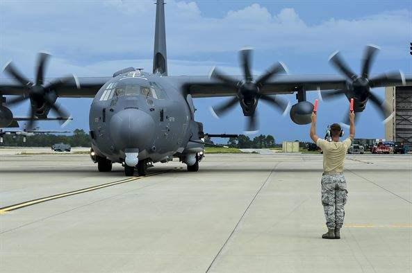 США cбросили 10-тонную бомбу
