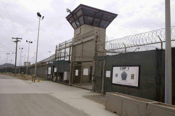 В тюрьме Гуантанамо пленным помогут со сменой пола