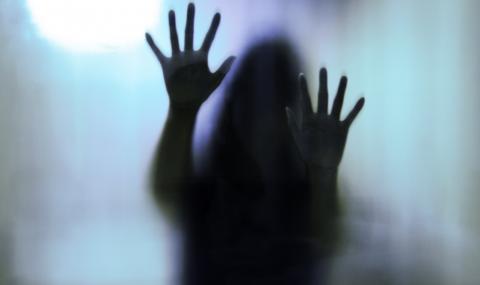 изнасиловал дочь