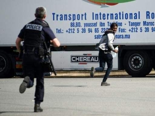 мигранты на самолете