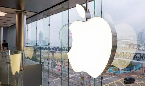 Apple пообещала Трампу построить три завода в США