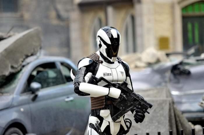 Робот солдат
