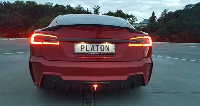 Украинский тюнинг Tesla Model S (видео)