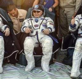 Астронавты МКС