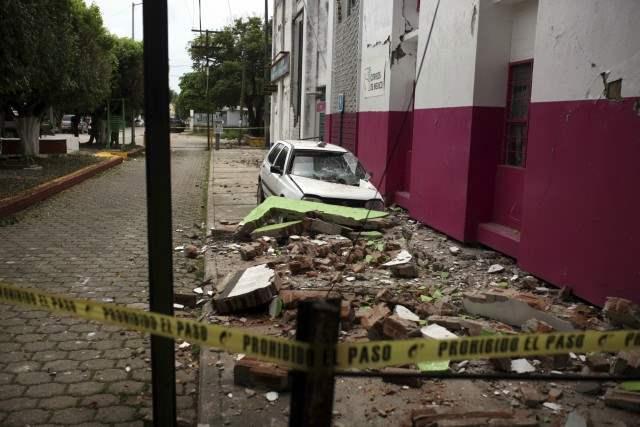 Мексика траур землетрясение