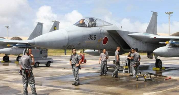 F-15 япония