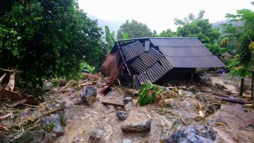 Вьетнам наводнения