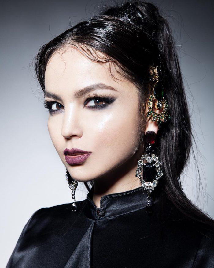 Анна седокова без макияжа фото целовать