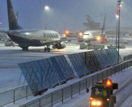 Германия снегопад аэропорт
