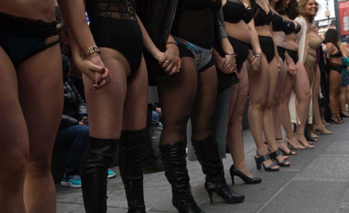 Девушки в нижнем белье