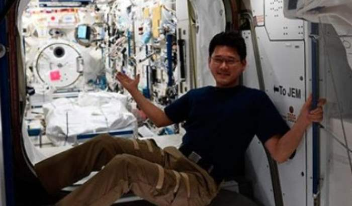 японский астронавт