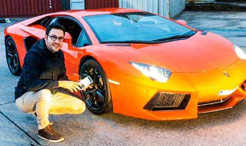 iPhone X против Lamborghini