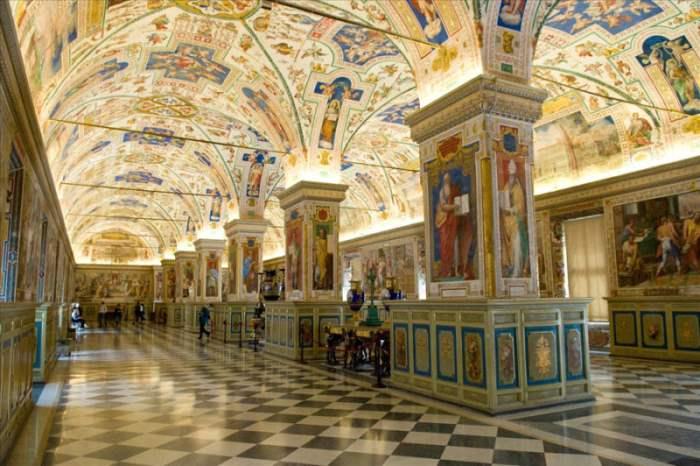 Сикстинский салон Ватиканской библиотеки