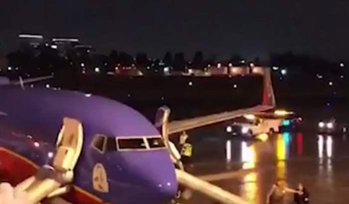 самолет пожар