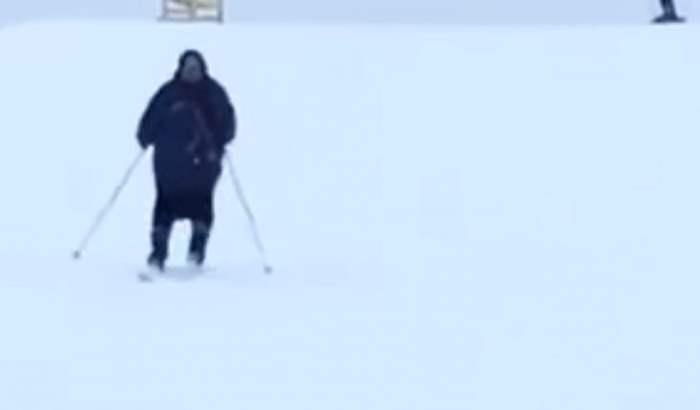 бабушка на лыжах