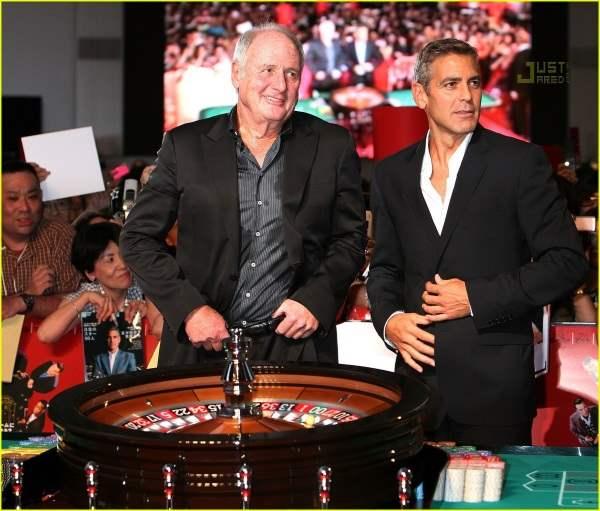 Джордж Клуни в казино