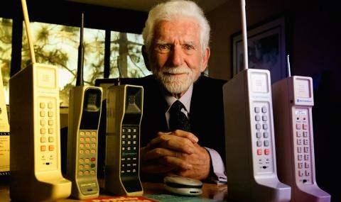 Первый мобильный