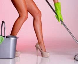 голые уборщицы