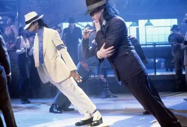 танцы Майкла Джексона смертельны