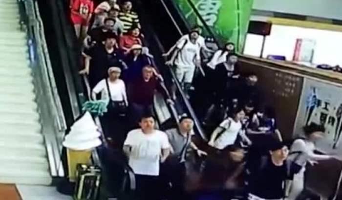 падение потолка