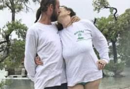 поженились
