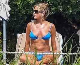 Дженнифер Энистон в бикини