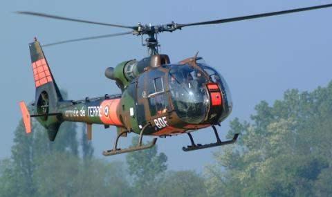 Французский военный вертолет