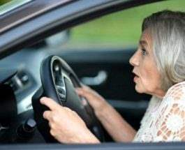 пенсионерка авто