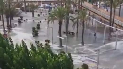 цунами майорка