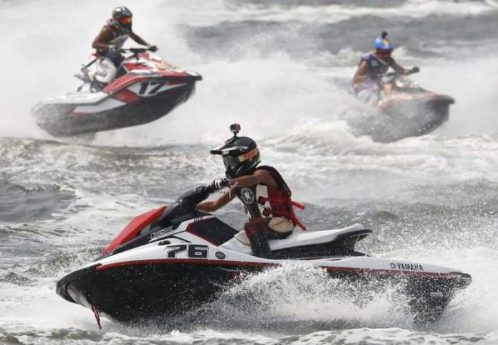 Гонки на водных мотоциклах